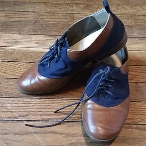 Restricted Modcloth saddle shoes brown and navy